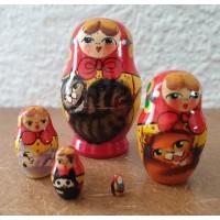 5 piece Miniature Cat  Russian doll